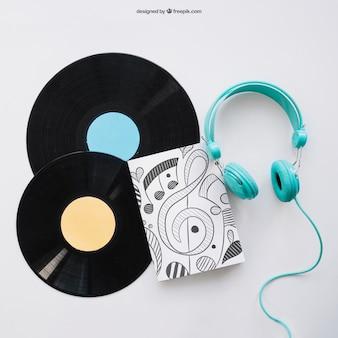 Book cover mockup met twee vinyls