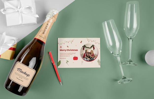 Botella de champagne con maqueta
