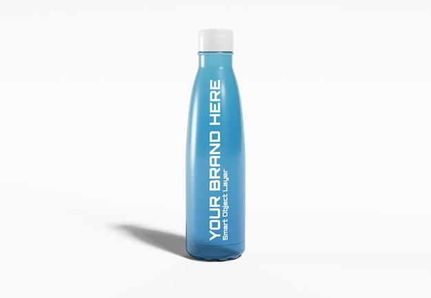 Botella deportiva de plástico en maqueta blanca