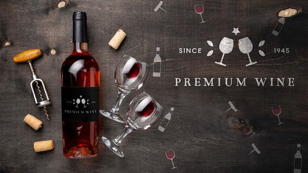 Botella de vino y copas