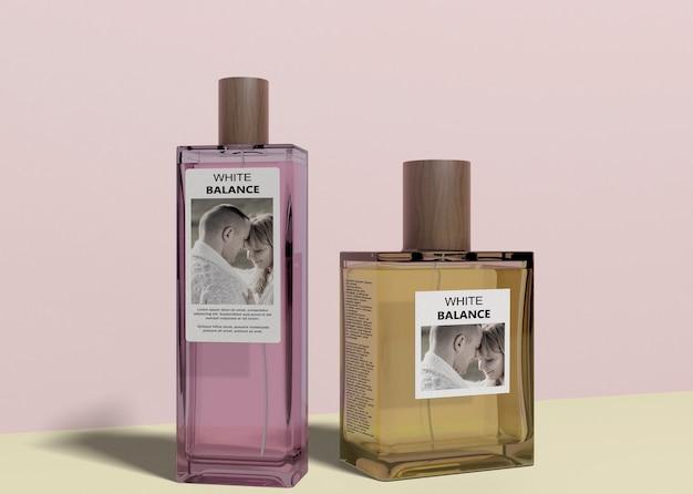 Botellas de perfume con maqueta