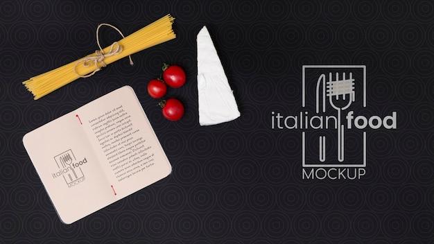 Boven weergave italiaans eten concept met pasta