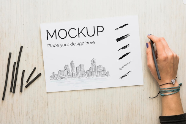 Bovenaanzicht artist concept arrangement met kaartmodel