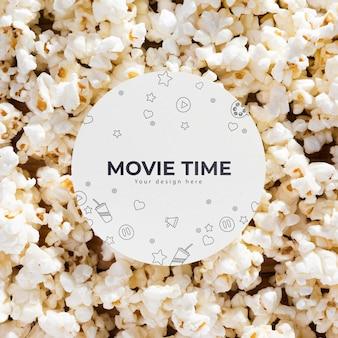 Bovenaanzicht assortiment popcorn met mock-up