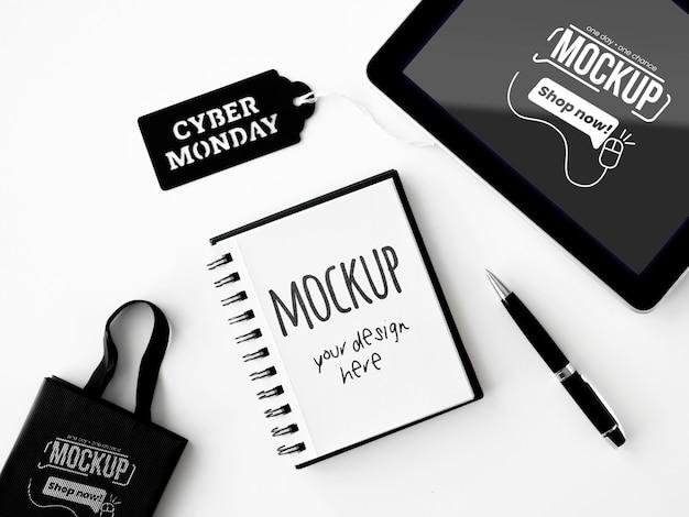 Bovenaanzicht cyber maandag promo mock-up