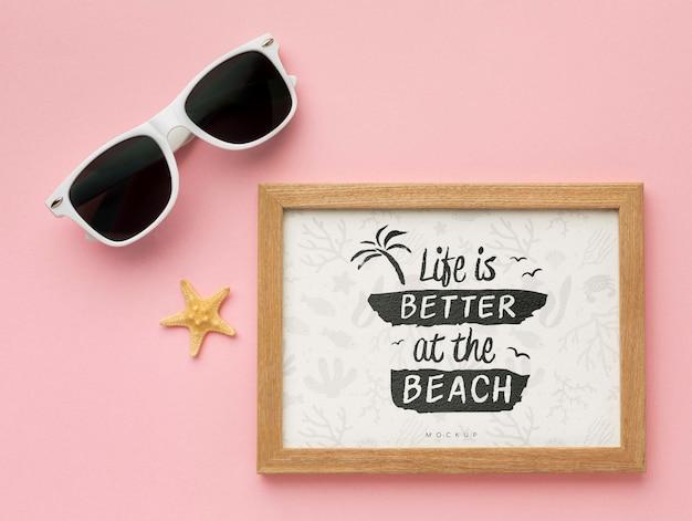 Bovenaanzicht frame en zonnebril