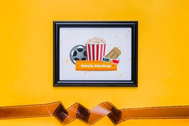 Bovenaanzicht frame met oude filmtape