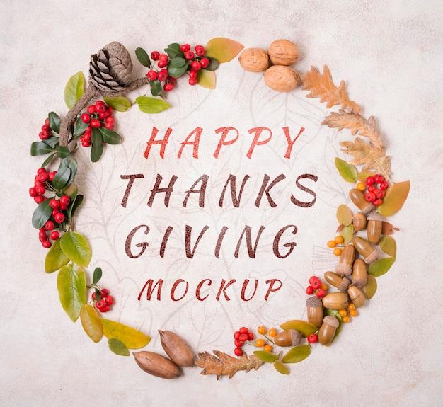 Bovenaanzicht happy thanksgiving krans van noten mock-up