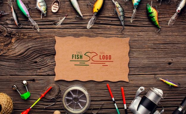 Bovenaanzicht hengel en vissen accessoires met aas
