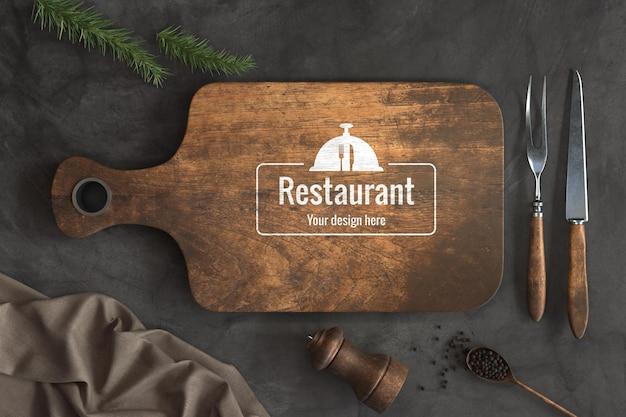 Bovenaanzicht houten snijplank met mock-up Premium Psd
