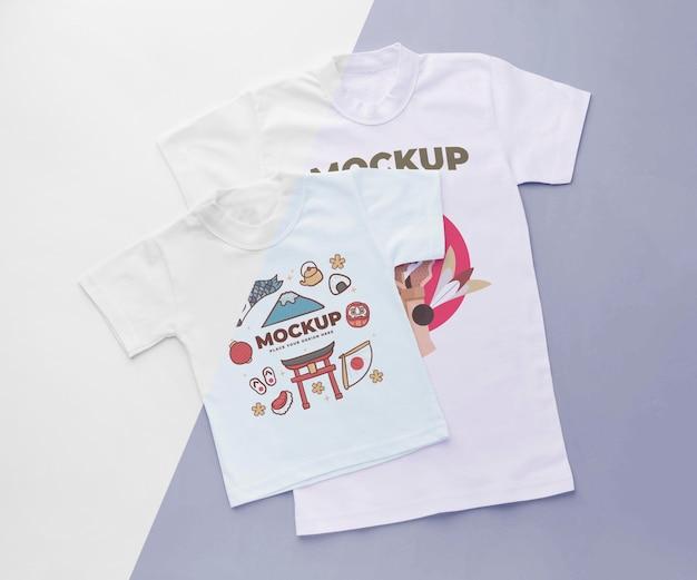 Bovenaanzicht japans t-shirt mock-up assortiment