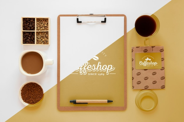 Bovenaanzicht koffie branding concept