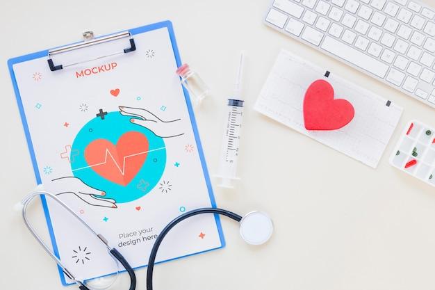 Bovenaanzicht medische stethoscoop met mock-up
