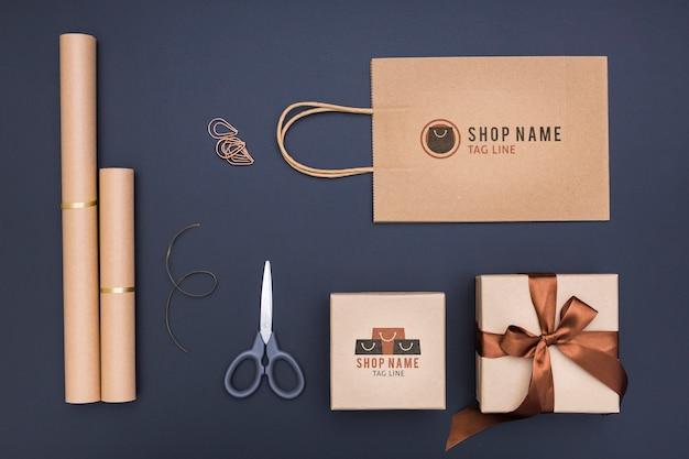 Bovenaanzicht mock-up arrangement voor geschenken