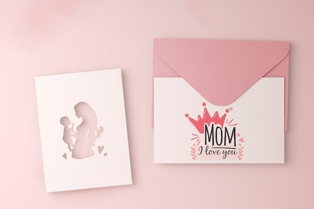 Bovenaanzicht moederdag kaart met envelop