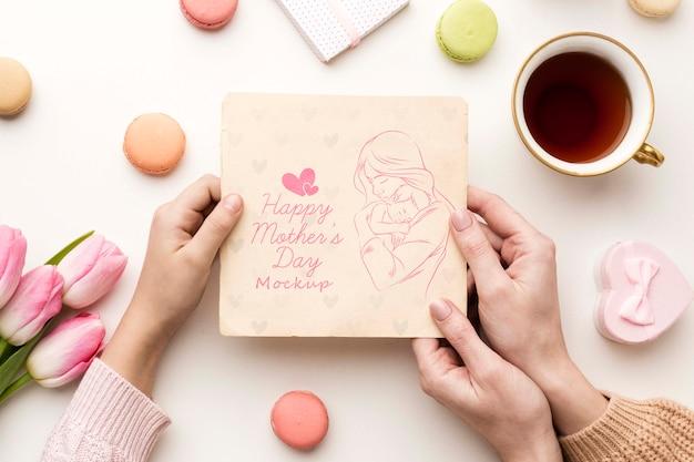 Bovenaanzicht moeders dag wenskaart concept