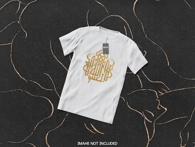 Bovenaanzicht op wit t-shirtmodel