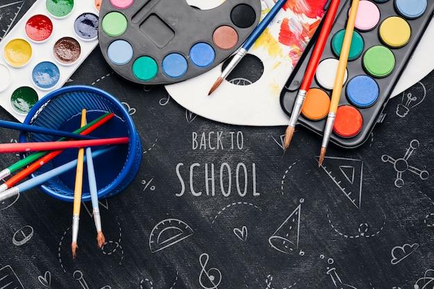 Bovenaanzicht terug naar school met aquarellen