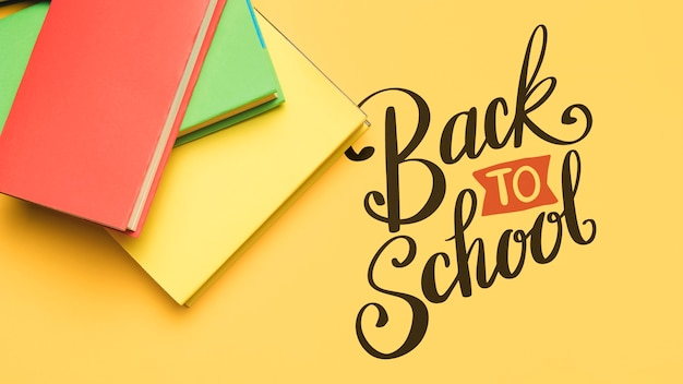 Bovenaanzicht terug naar school met boeken