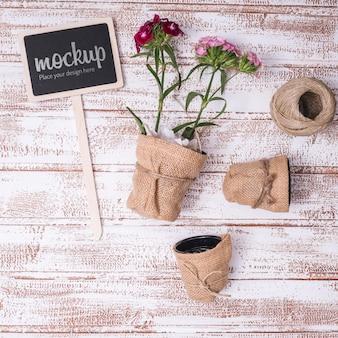 Bovenaanzicht tuinieren elementen met schoolbordmodel