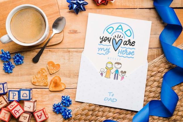 Bovenaanzicht vaderdag tekenen met mock-up Gratis Psd