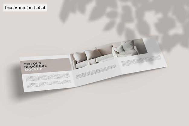 Bovenaanzicht van driebladige brochuremodel