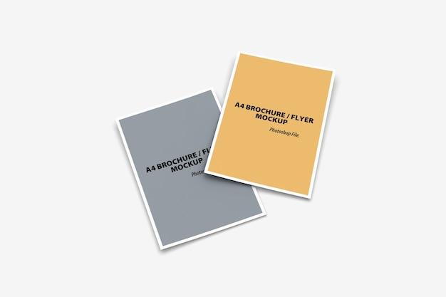 Bovenaanzicht van dubbele brochure mockup