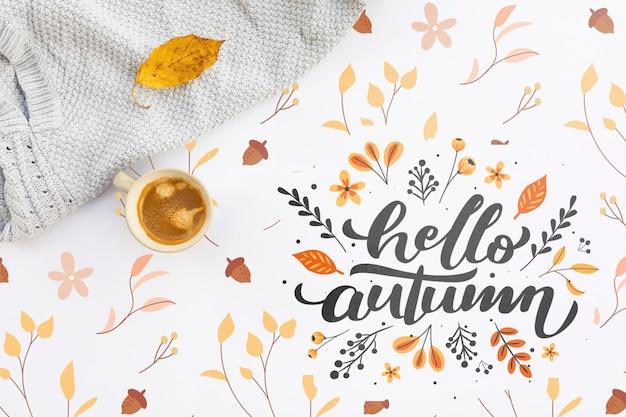 Bovenaanzicht van hallo herfst koffie