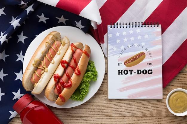 Bovenaanzicht van heerlijk amerikaans eten mock-up