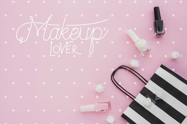 Bovenaanzicht van make-up concept mock-up