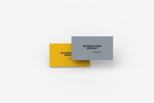 Bovenaanzicht van mockup voor dubbele visitekaartjes