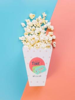 Bovenaanzicht van popcorn cup