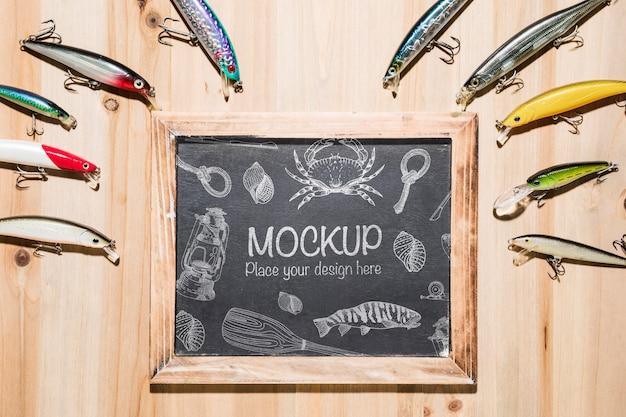 Bovenaanzicht van schoolbord met visaas en frame