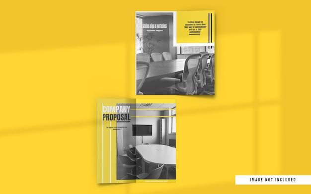 Bovenaanzicht van tweevoudige brochure- en catalogusmodellen