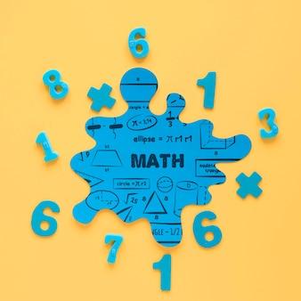 Bovenaanzicht van wiskundige vlek mock-up met getallen