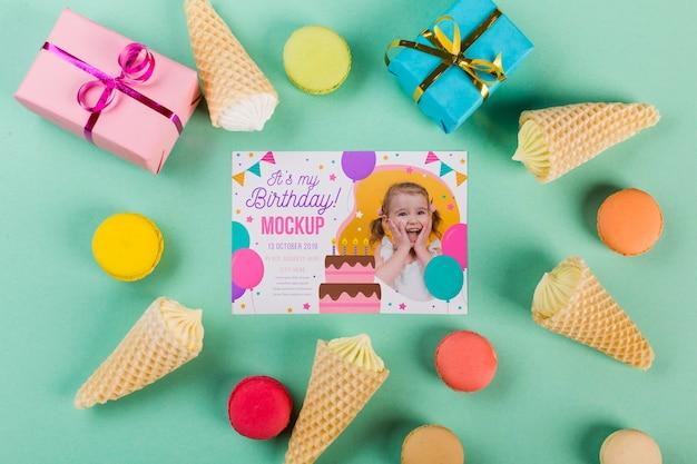 Bovenaanzicht verjaardag concept met geschenken