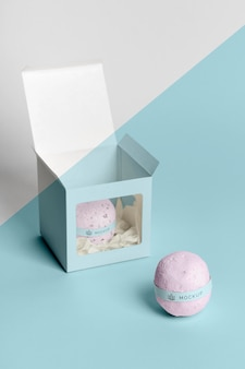 Box en bath bombs hoge hoek