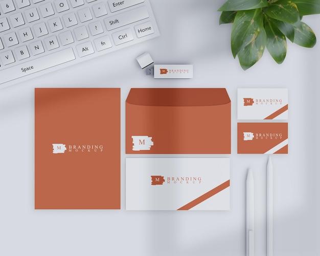 Branding mockup met natuurlijk ontwerp Premium Psd