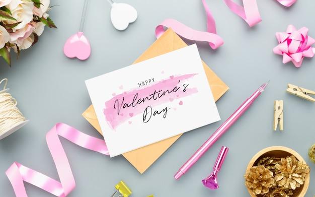 Briefkaart en envelop voor valentijnsdag