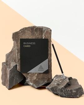 Briefpapiermodel met donkere steen