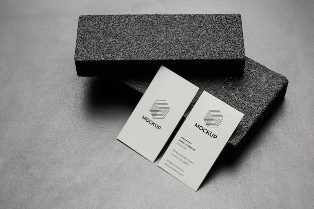 Briefpapiermodel met donkere stenen