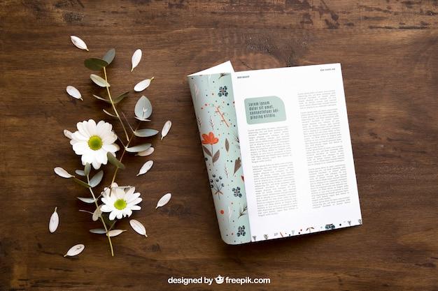 Brochure mockup en bladeren