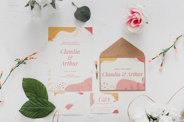 Bruiloft uitnodiging arrangement plat lag
