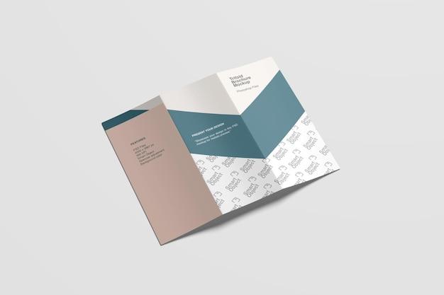 Buiten driebladige brochure mockup hoge hoekweergave