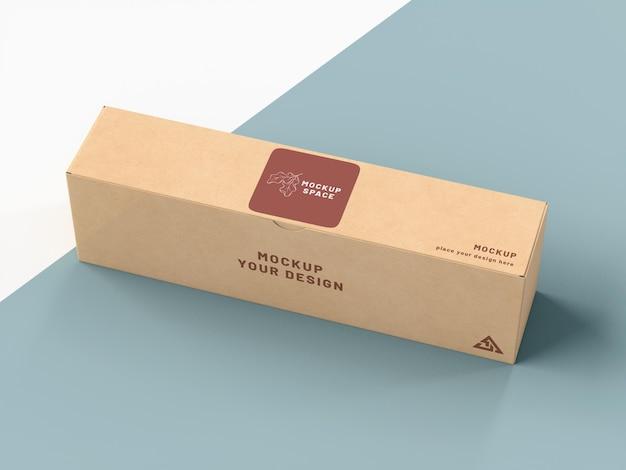 Caja de cartón con maqueta de pegatina