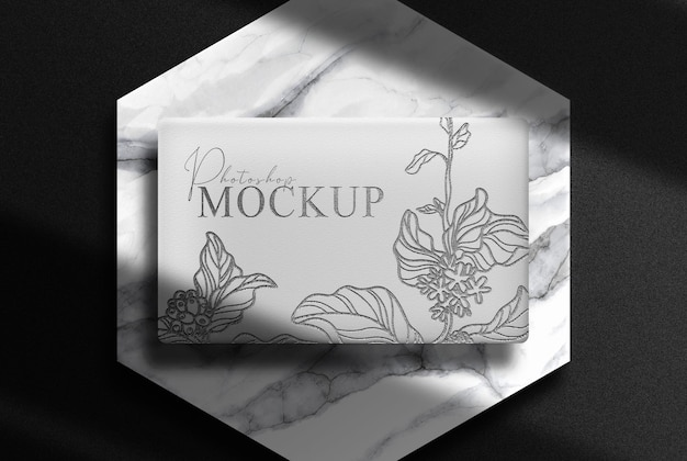 Caja de lujo en relieve con maqueta de podio de mármol