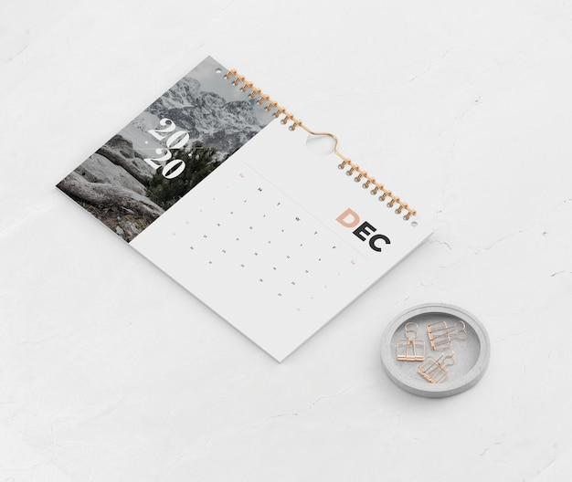 Calendario creado en el enlace espiral del libro
