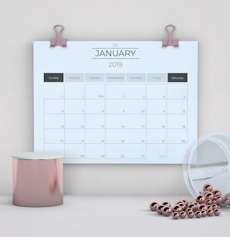 Calendario su sfondo bianco