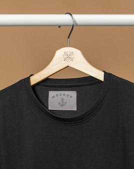 Camiseta de maqueta de cerca