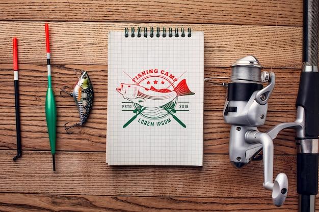 Caña plana y accesorios de pesca